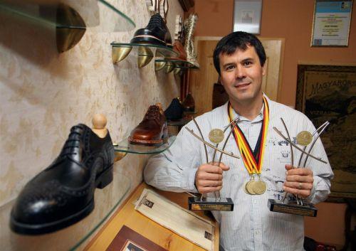 Kovács Attila, az Európa-bajnok miskolci cipészmester. (Foto: minap.hu)