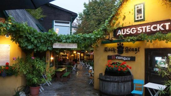 Az újságíró archívumából: Bécsi bor – Az örök Grinzing